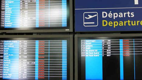 Government moves to cut air travel strikes