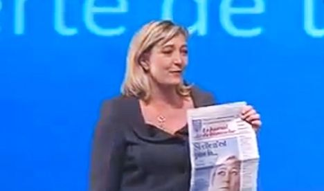 Le Pen attacks all sides over 'pathetic' poll