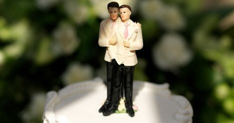 Gay wedding ceremony aims to push law change