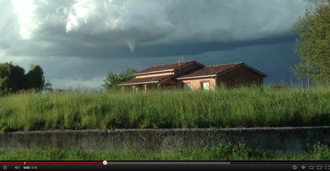 Toulouse tornadoes a hit on YouTube