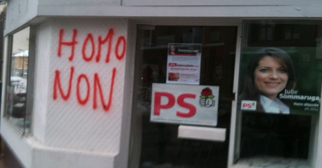 Gay marriage: Socialist party branches attacked