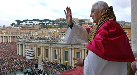 French hold dim view of Pope Benedict's reign