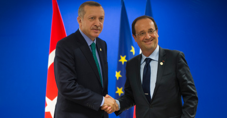 Turkey calls on France to extradite arrested Kurds
