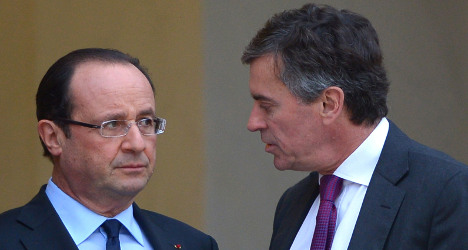 Hollande government in 'crisis' as minister quits