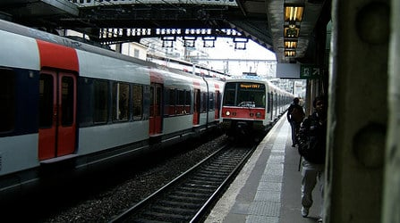 Safety fears after gang storm Paris train