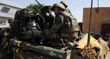 French troops hand over Mali rebel weapons