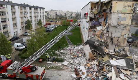 Probe launched after fatal building collapse