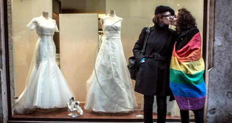 Key gay marriage article passes French Senate