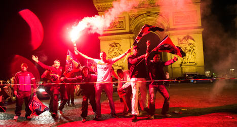 VIDEO: PSG fans take to streets to celebrate title