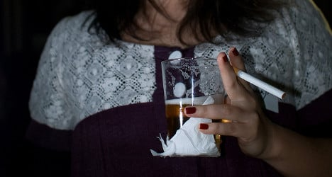 Booze and cigs 'harm women more than men'