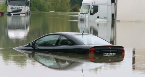 Calls for 'natural disaster' aid after Seine floods