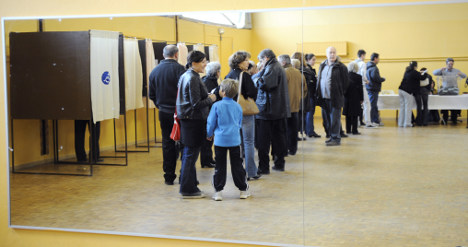 Foreigners forced to wait for right to vote in France