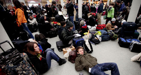 French airport strikes start week of travel woes