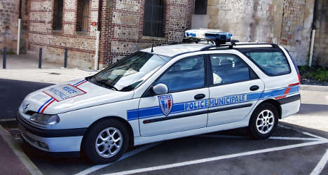 Inquiry over French cops' 'apéritifs on the job'