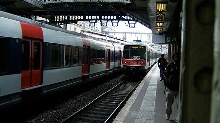 Paris train delayed as driver takes wrong line