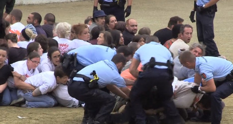 VIDEO: Police accused over bullfight protest