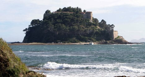 Empty presidential fort costs French taxpayers