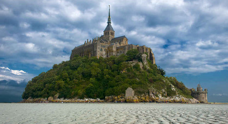 French court rejects Mont-St-Michel wind farm