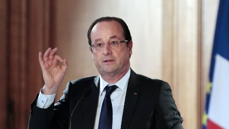 Hollande to meet Kerry and Hague in Paris