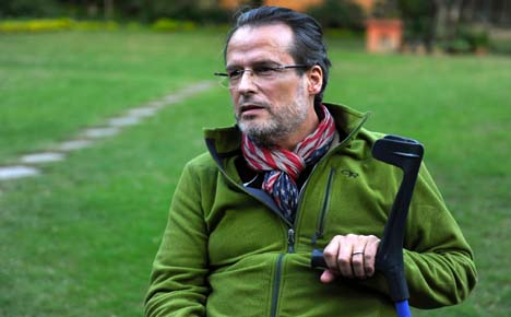 French MS sufferer makes Everest skydive
