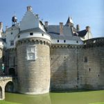 <strong>#3 Happiest – PAYS DE LA LOIRE.</strong> Along with Brittany, also in the west of the country, Pays de la Loire tops the table in France with the lowest rate of poverty – 11.6 percent. Home to the metropolis of Nantes, this region also performed excellently in terms of sustainable development.Photo: Château des Ducs Bretagne in Nantes. Plindenbaum/Wikimedia