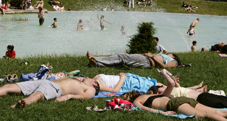 French get most days off but feel 'holiday-deprived'