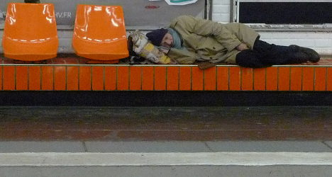 Homeless Frenchmen tweet about their lives