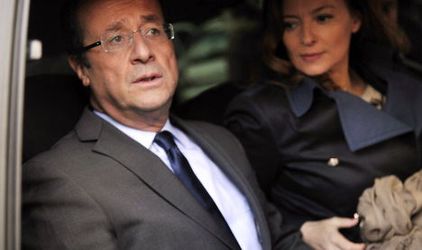 Hollande refuses to answer 'affair' question