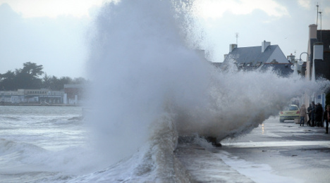 West coast of France threatened by flooding