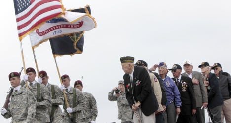 Hundreds of US veterans to attend D-Day service