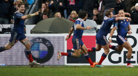 Six Nations: France beat England with late try
