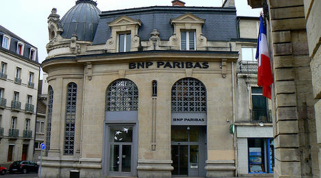 French bank to cut jobs in Ukraine over crisis