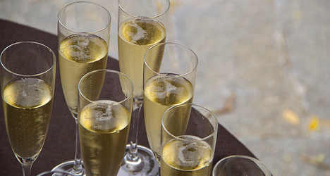 Champagne goes flat against Italian rival