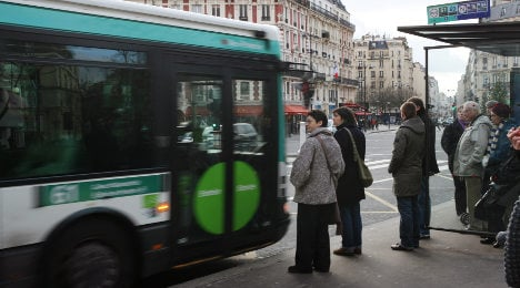 Paris bus drivers warned about refusing Roma