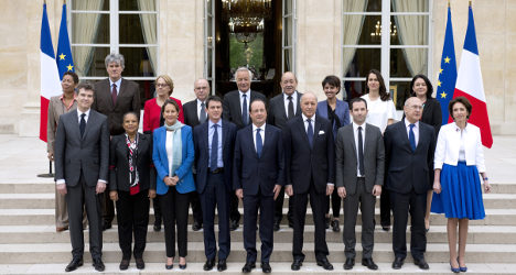 French ministers hand out €12m in bonuses