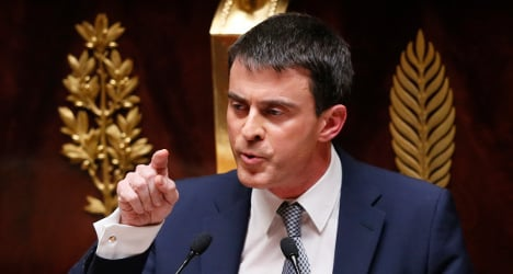 French PM pledges cuts in taxes and labour costs