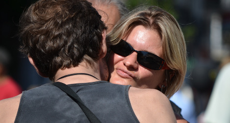 Bretons defend right to give just one French kiss