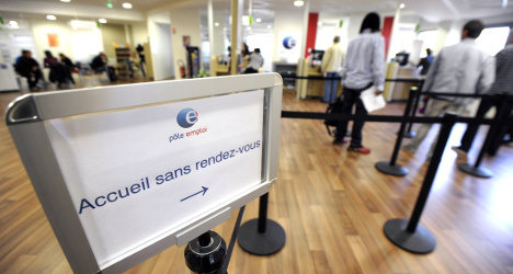 French economy to pick up as row with EU looms
