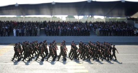 French military top brass threaten to quit over cuts