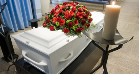 Thieves rob dead woman at French funeral home