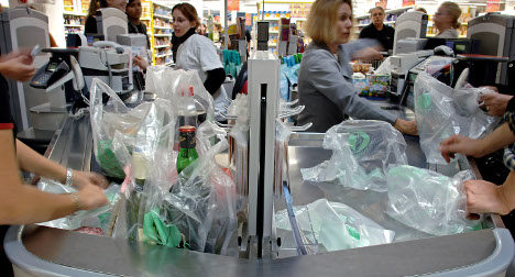 France aims to ban plastic bags by 2016