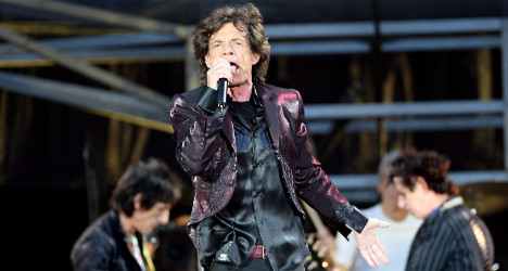 Rolling Stones fans to pick song for Paris gig