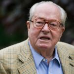 Ex-leader Le Pen makes gas chambers 'pun'
