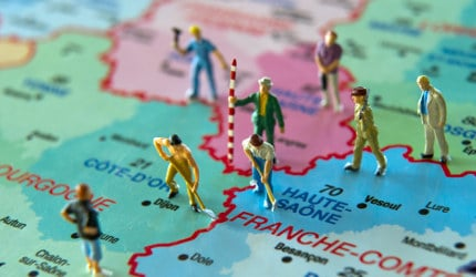 Lawmakers back redrawn map of France