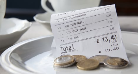 'The French among the world's stingiest tippers'