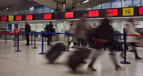 Air France tests unusual luggage check-in system