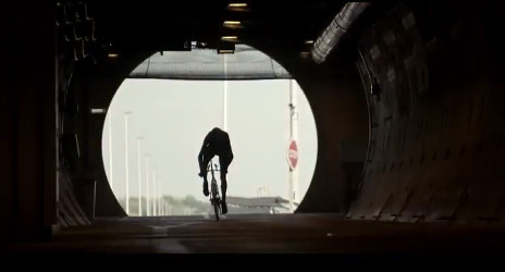 VIDEO: Froome cycles Channel Tunnel to France