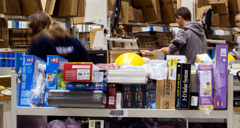 Amazon defies France with 1 centime deliveries