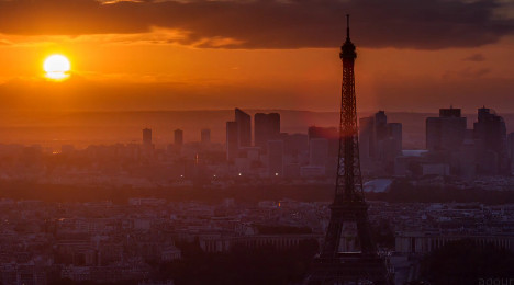 Beauty of Paris captured in time lapse video