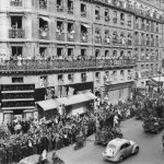 Parisians cheer fighters of the French Forces of the Interior (FFI) during the military parade, on August 26, 1944 , rue de Rivoli, the day after the Liberation of Paris.Photo: AFP
